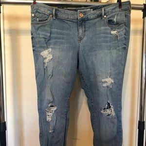 Torrid Crop Jeans distressed sz 20S